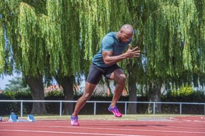 """Wereldtopper Asafa Powell loopt in… Kortrijk: """"Ik zou net als Usain Bolt op het strand kunnen liggen"""""""
