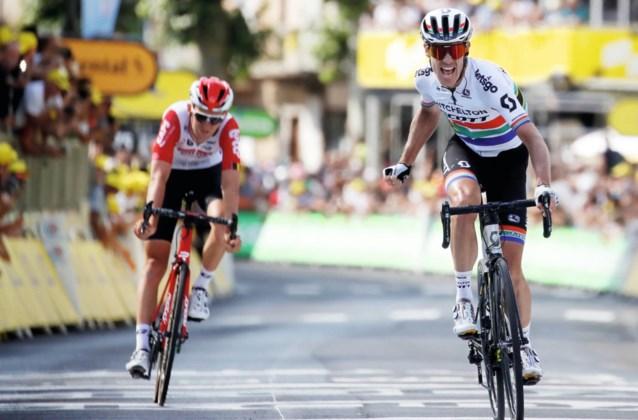 """Tiesj Benoot krijgt kritiek na mislopen van ritzege in de Tour: """"Als je echt rijdt om te winnen, moet je durven gokken"""""""