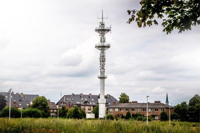 Nieuwe antenne op zendmast zorgt dat elektrische garagepoorten dienst weigeren en autoruiten vanzelf opengaan