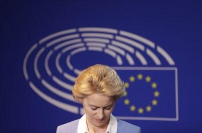 Hoe de nieuwe koningin van Europa haar troon dreigt te verliezen nog voordat ze is gekroond