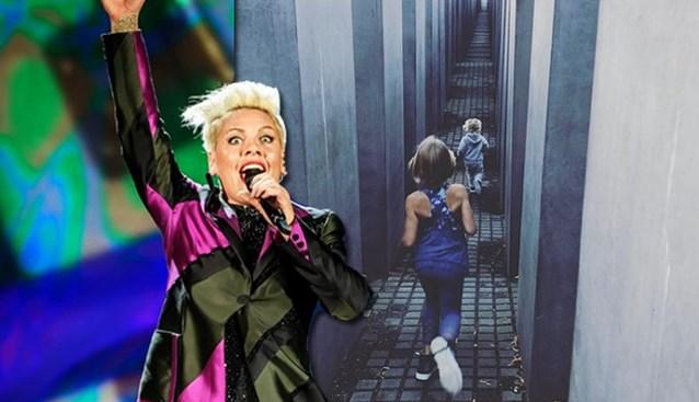 Pink onder vuur door foto van kinderen in holocaustmonument, maar zangeres bijt van zich af