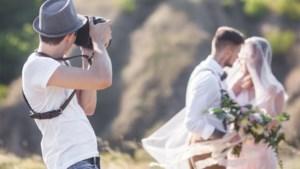 """Huwelijksfotografe snoeihard voor hardnekkige gewoonte van gasten: """"Alsjeblieft, hou hiermee op"""""""