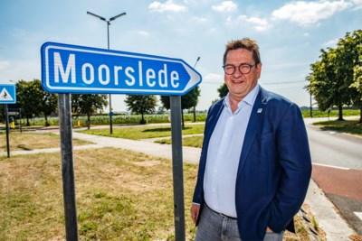 Als zelfs de wegwijzer het niet meer weet: nieuw hoofdstuk in aanslepende verwarring tussen naburige gemeenten