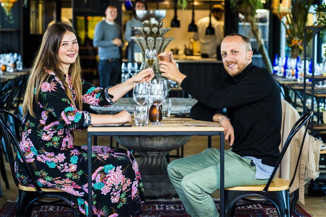 Dating tafelmanieren christelijk daten Northamptonshire