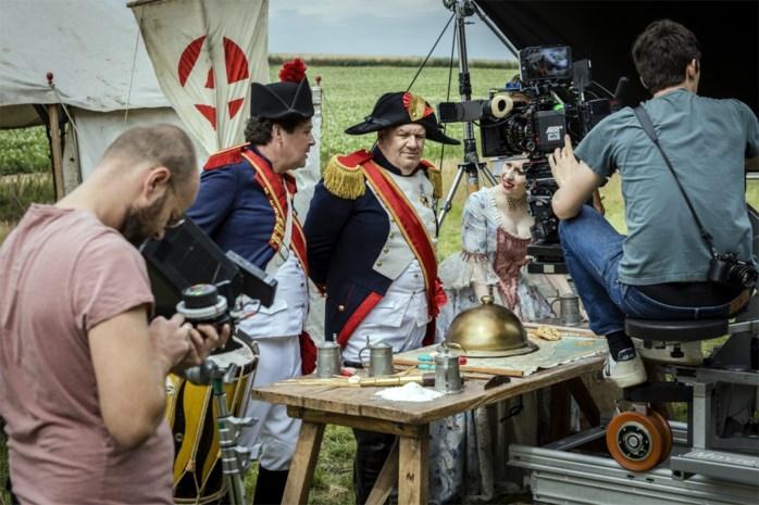"""Vier draait promoclip voor 'Bake Off Vlaanderen' op het slagveld: """"Een koekje van eigen deeg met een caloriebom"""""""