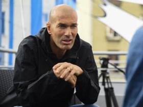 """Zinédine Zidane praat voor het eerst over zijn nieuwe Galactico Hazard: """"Eden had deze club nodig om nog een extra stap te zetten"""""""