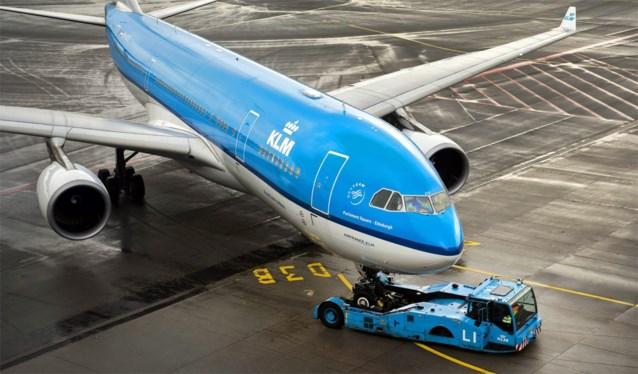 """KLM-topman roept op om """"met mate te vliegen"""": """"Zoals met drinken"""""""