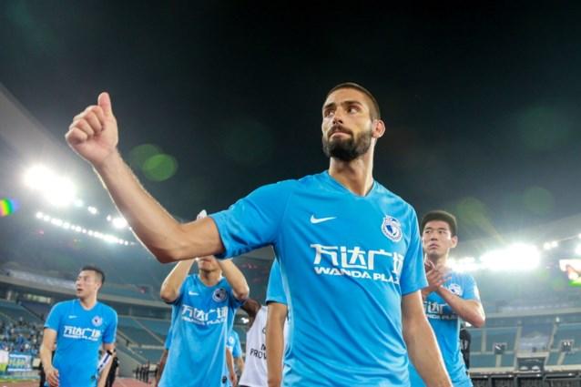 Yannick Carrasco helpt Dalian Yifang met twee goals aan draw, Mousa Dembélé verliest zwaar in derby