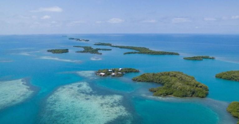 Op zoek naar iets anders? Volledig Caraïbisch eiland te koop voor de prijs van één huis