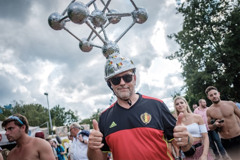 Zwart-geel-rode 'madness': Belgen vieren nationale feestdag op Tomorrowland