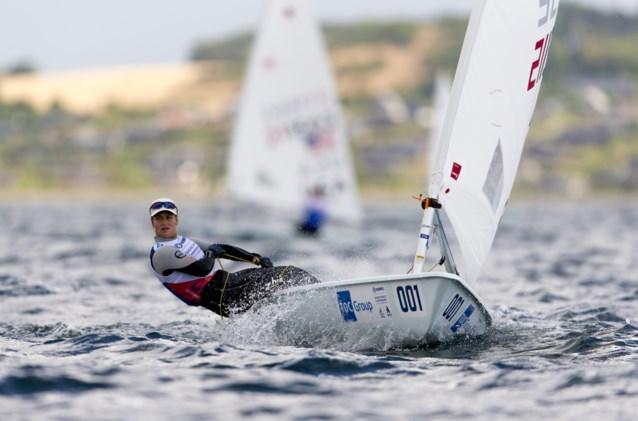 Emma Plasschaert klimt naar zevende plaats op WK zeilen
