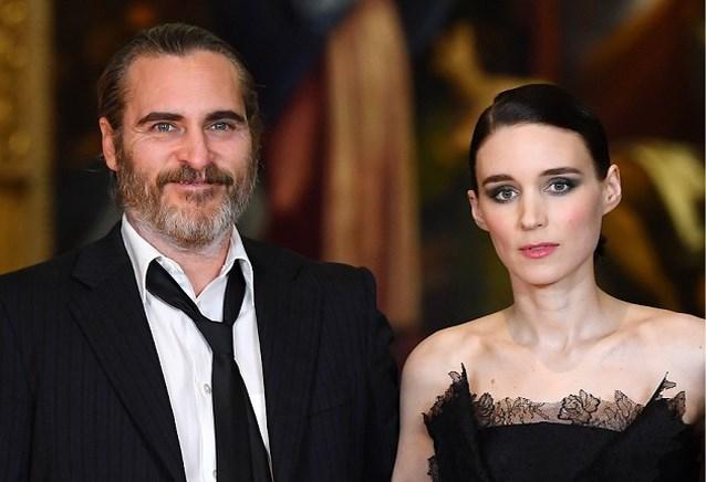 Acteurskoppel Joaquin Phoenix en Rooney Mara verloofd