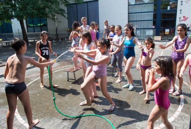 """Leuven vraagt ouders om kinderen niet naar kinderopvang te sturen: """"Geen airco"""""""