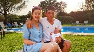 """Emoties in de Tour bij Caleb Ewan: """"Voor het eerst zie ik mijn dochtertje buiten de kliniek"""""""