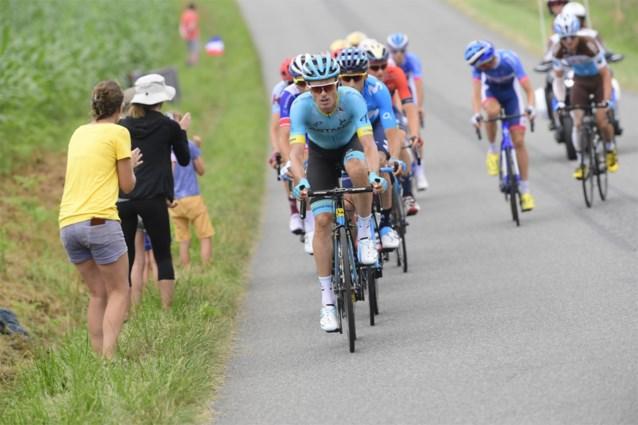 Verkoeling tijdens de Tour? Astana krijgt flinke boete nadat het panty's met ijsblokken uitdeelde