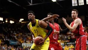 Shevon Thompson blijft één jaar langer bij basketkampioen Oostende