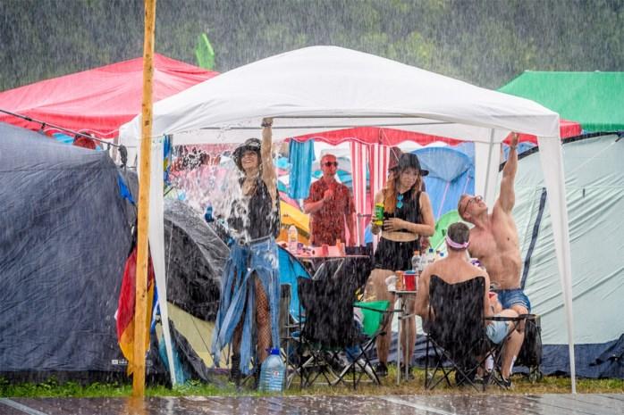 Ondertussen op Tomorrowland… meer regen, maar minder medische tussenkomsten