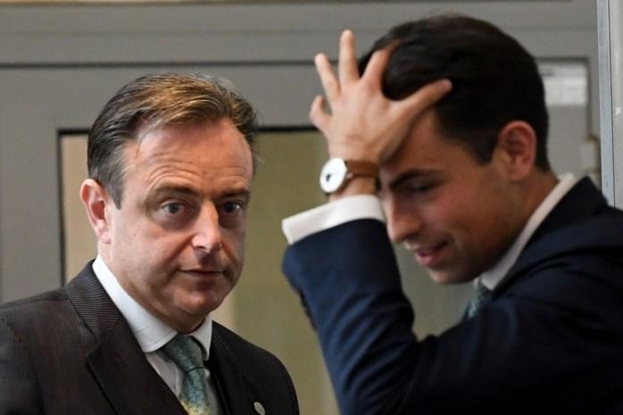 Met Vlaams Belang wordt geen rekening meer gehouden, maar welke kaarten houdt Bart De Wever wel nog achter de hand?
