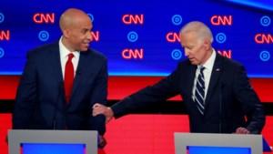 """Joe Biden langs alle kanten aangevallen tijdens tv-debat van Democraten: """"Vond je massadeportaties onder Obama een goed idee?"""""""