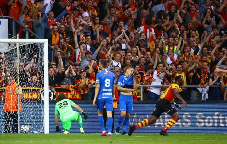 Flitsend KV Mechelen trekt kampioen Genk de broek af en staat mee op kop