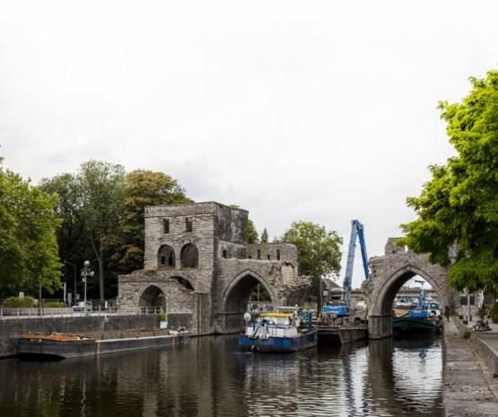 Eeuwenoude brug in Doornik afgebroken: werelderfgoed, tot de binnenschepen langs moeten