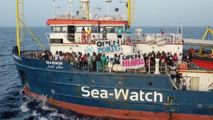 Italië meent het: tot 1 miljoen euro boete voor boten die migranten redden
