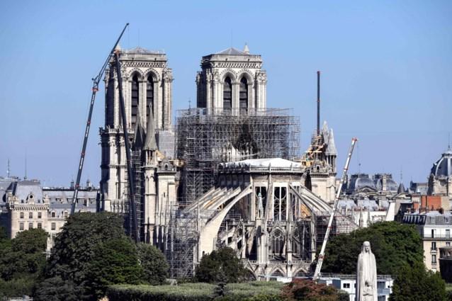 """Parijs: """"Stolp over Notre-Dame is moeilijk haalbaar"""""""