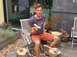 In drie kwartier van tak tot lepel: turnleraar vindt nieuwe roeping in houtsnijden