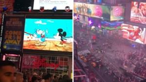 """22 gewonden door paniek op Times Square, maar gevreesde schutter blijkt… knallende uitlaat: """"Ik ben doodsbang"""""""