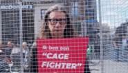 Gaia sluit Herman Brusselmans op in kooi