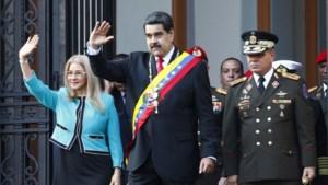 """Venezolaanse president Maduro annuleert dialoog met oppositie """"wegens agressie van Trumps regering"""""""
