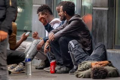 """Alcoholverbod in Brussel moet overlast transmigranten stoppen: """"Drie blikken Leffe en ze slaan helemaal tilt"""""""