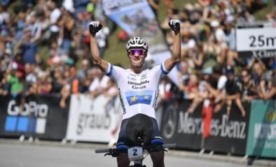Mathieu van der Poel klopt wereldkampioen Schurter nu ook in Lenzerheide