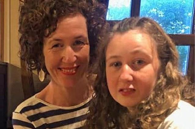 """Ouders vermiste Nora (15) geven 10.000 euro voor gouden tip: """"Ons hart is gebroken"""""""