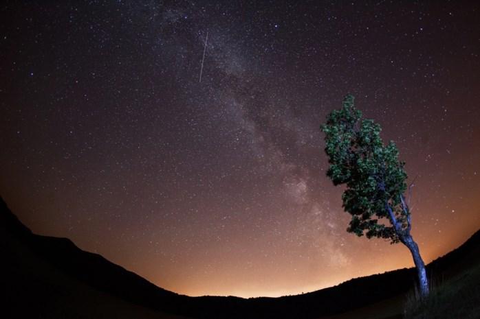 Komende nachten opvallend veel vallende sterren: hoe komt dat en hoe zie je ze het best?