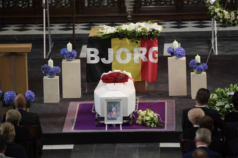 FOTO. Wielerwereld neemt afscheid van Bjorg Lambrecht