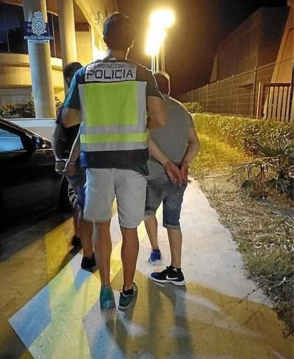20-jarige toeriste aangerand, toevallige voorbijganger beslist gewoon mee te doen