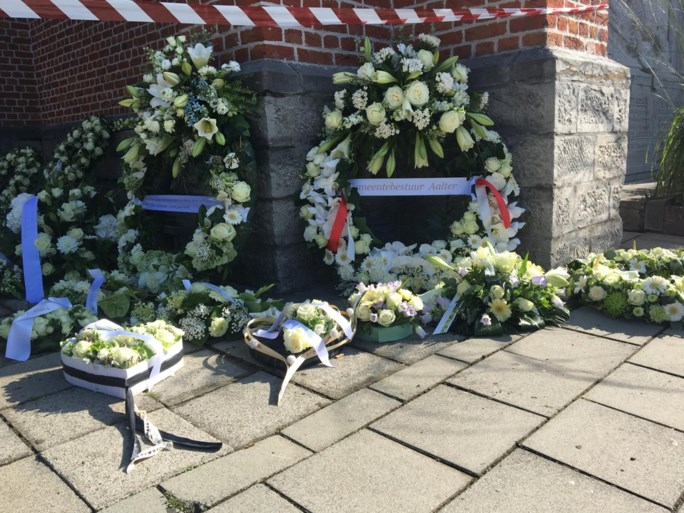 """Iedereen in tranen als moeder van Bjorg Lambrecht het woord neemt tijdens begrafenis: """"De leegte die je achterlaat, is ondraaglijk"""""""