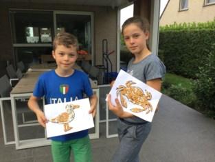 """Ruben (10) en Jana (12) maken kunstwerkjes met zwerfvuil: """"Ze stinken alleen een beetje"""""""