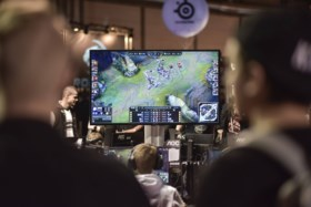 """Ouders van gameverslaafden klappen uit de biecht: """"De makers van Fortnite zijn gewoon crapuleus"""""""