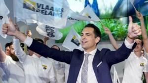 """Van Grieken bracht hulde aan """"grootse"""" neonazi"""