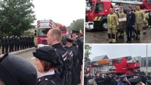 Indrukwekkende erehaag begeleidt overleden brandweermannen op hun laatste tocht