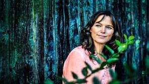 """Pascale Naessens openhartig over eetprobleem: """"Ik mag wél vet eten. Dat besef heeft mijn leven veranderd"""""""