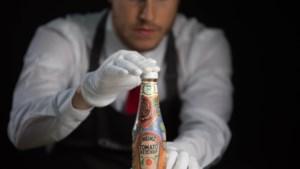 """Flessen """"Edchup"""" van Ed Sheeran leveren meer dan 3.600 euro op"""