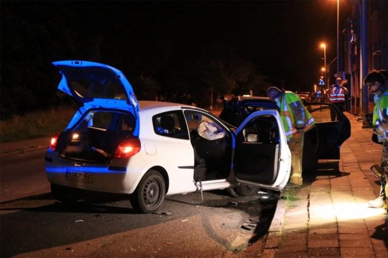 Kat veroorzaakt zwaar ongeval: twee voertuigen tot schroot herleid