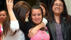 """""""Eindelijk gerechtigheid"""": verkrachte vrouw dan toch vrijgesproken voor moord op haar doodgeboren kind"""