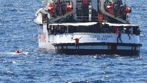 Italiaans gerecht beveelt ontscheping migranten op reddingsschip