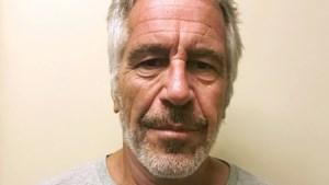 Hoofd van Amerikaans gevangeniswezen overgeplaatst in nasleep zaak-Epstein