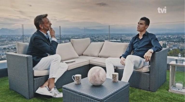 """Cristiano Ronaldo over het verschil met Lionel Messi, zijn """"moeilijkste jaar ooit"""" en wanneer hij stopt: """"Niemand heeft meer records dan ik"""""""