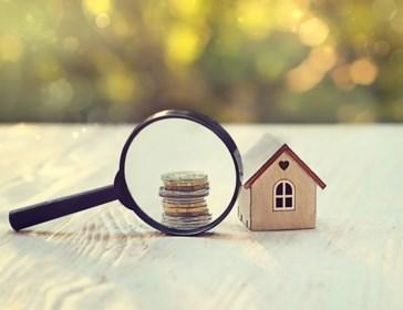 Hoeveel is een geërfd huis waard? En hoeveel belastingen moet je erop betalen?